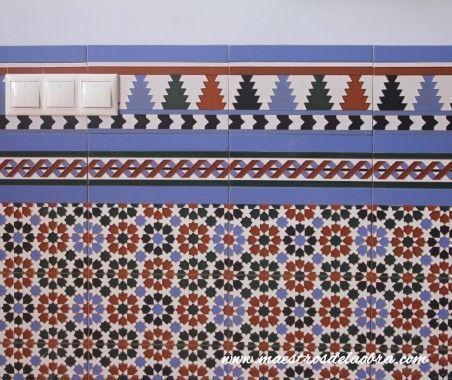 Alicatar con azulejos rústicos, geométricos de colores